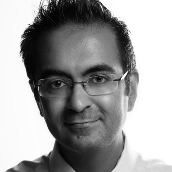 Dr Junaid 600 bw